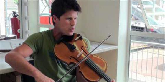 Seth Lakeman plays Tiny World